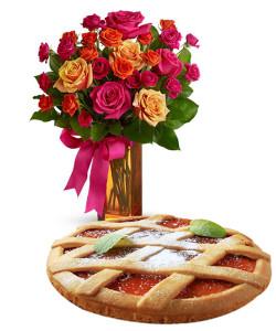 crostata-alla-marmellata-con-bouquet-di-roselline-dai-toni-caldi