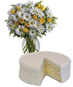 torta-alla-crema-bouquet-di-margherite-e-roselline